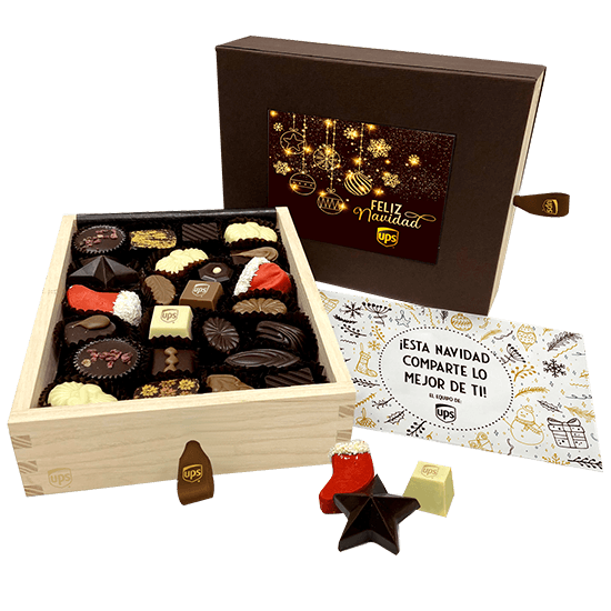 WOW wooden box with chocolates