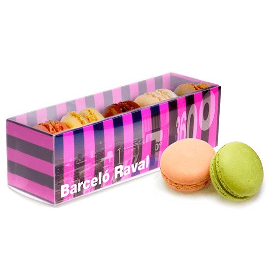 Box with 5 macarons
