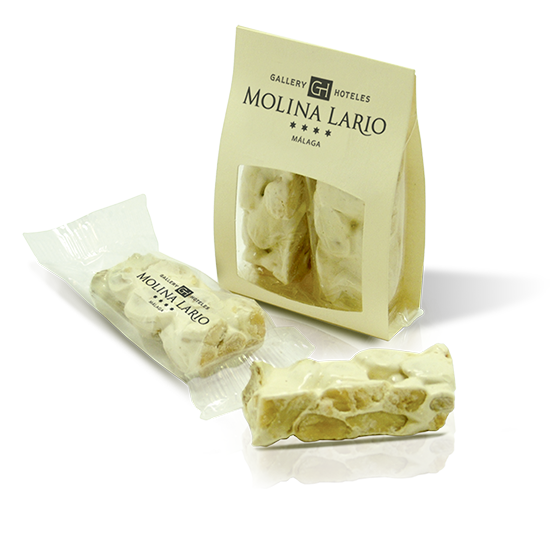 Sachet avec portion de touron (nougat)